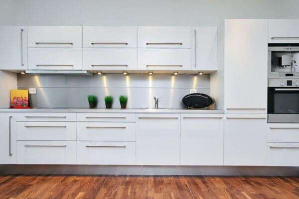 beyaz mutfak dolab modelleri 2018 dekorcennet com. Black Bedroom Furniture Sets. Home Design Ideas
