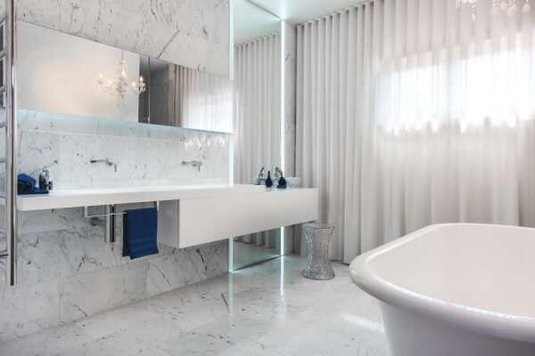 en-luks-beyaz-banyo-dekorasyonu-ornekleri