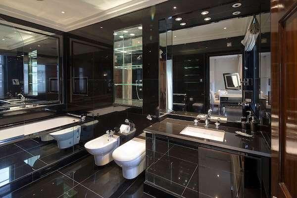 en-havali-siyah-beyaz-banyo-dekorasyonu