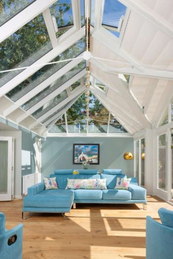 15-Splendid-Transitional-Sunroom-Designs-Youll-Love-To-Have-In-Your-Home-11-630x945
